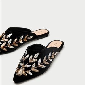 Embroidery floral velvet mules, BNIB